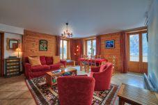 Grande salle de séjour luxueux
