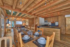 Alpine style and open plan dining area
