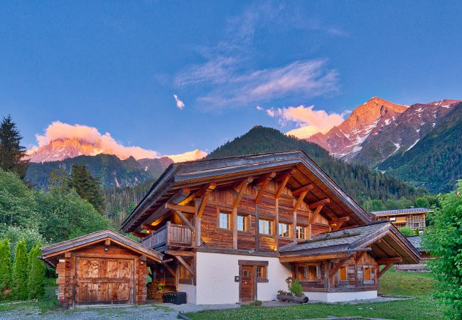 Beautiful chalet with stunning back drop