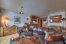 Apartment in Les Houches - Alpine Retreat: Residence Le Kandahar