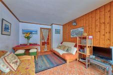 Apartment in Chamonix-Mont-Blanc - Petit Jardin: Residence Via des Traz B