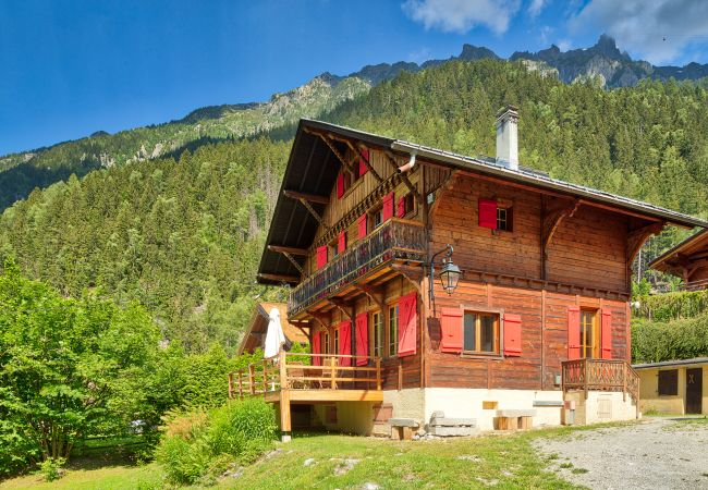 Large luxury chalet offering beautiful views