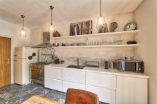 Modern and open plan kitchen