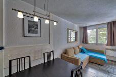 Apartment in Chamonix-Mont-Blanc - Snowline: Residence Chamois Blanc