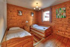 Apartment in Chamonix-Mont-Blanc - Burgundy: residence Villa Vallet
