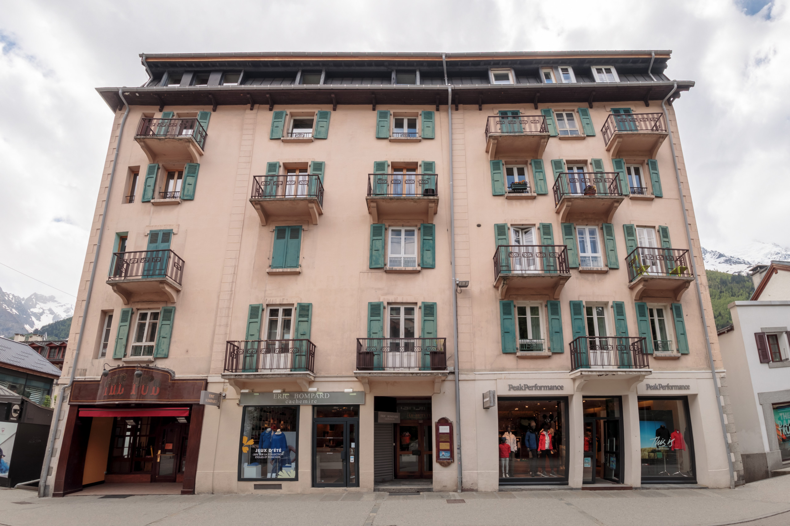 Two bedroom apartment in the centre of Chamonix