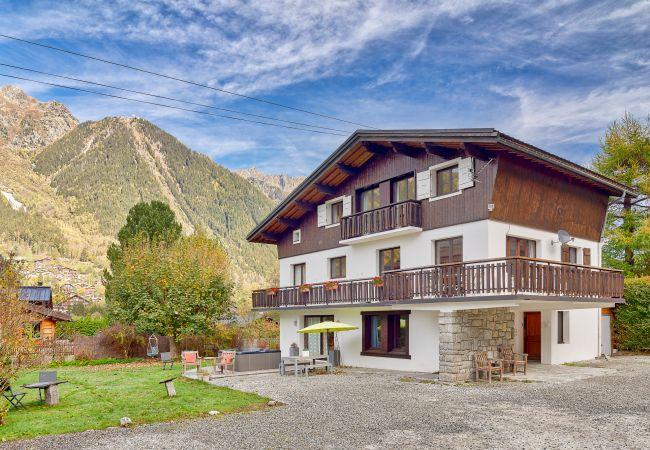 Villa in Chamonix-Mont-Blanc - Chalet Blanche