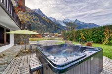 Rent by room in Chamonix-Mont-Blanc - Chalet Blanche Bedroom 1 (2 persons)